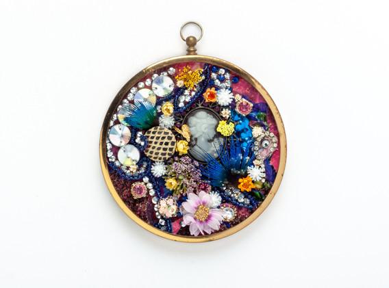 Glazed Wall Pendant