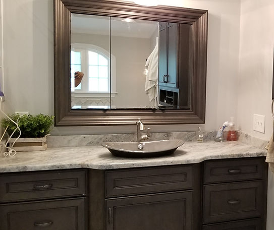 house cleaning beatiful bathrom