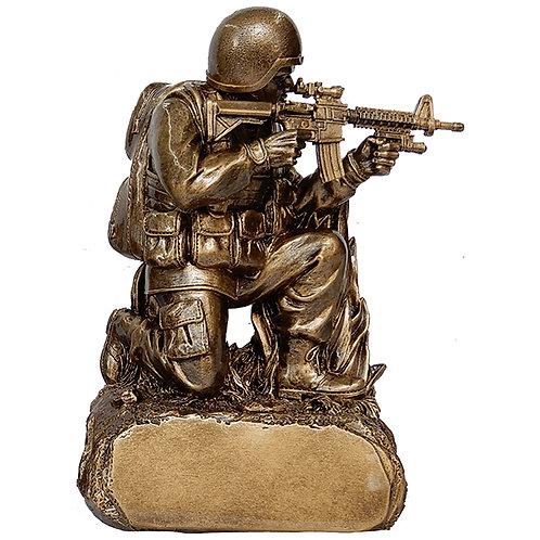 """מגן הוקרה / פסל חייל לוחם """"צלף"""" על בסיס מוזהב"""
