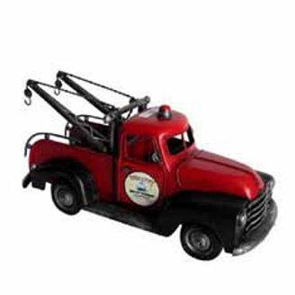 משאית גרר אדומה רטרו