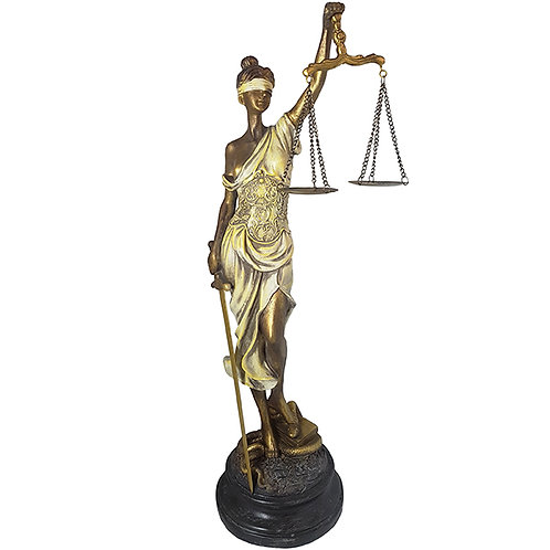 פסל אלת הצדק גדול