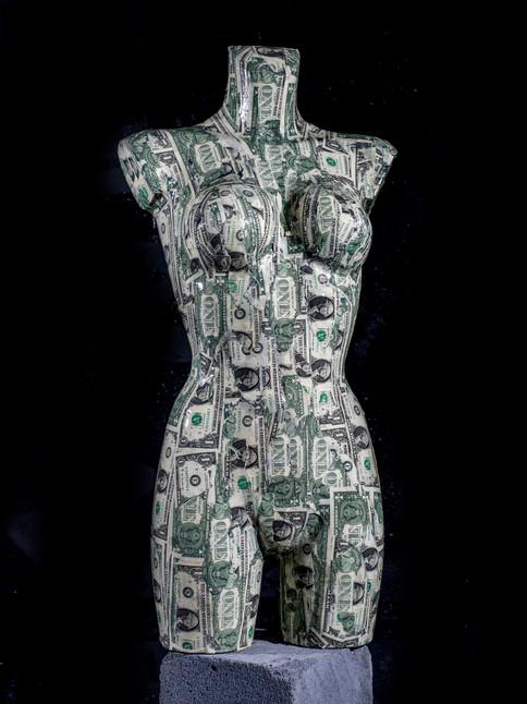 busto femenino de tamaño natural edición dólar.jpg