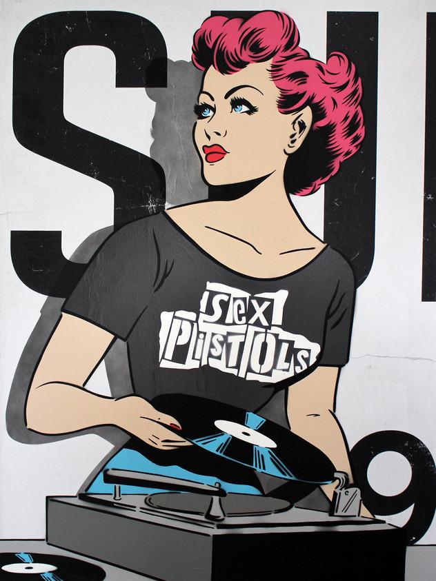 """DJ DE PISTOLAS SEXUALES DE 48 """"X 36"""""""