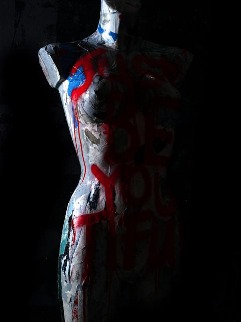 busto femenino de tamaño natural solo sé tiful e