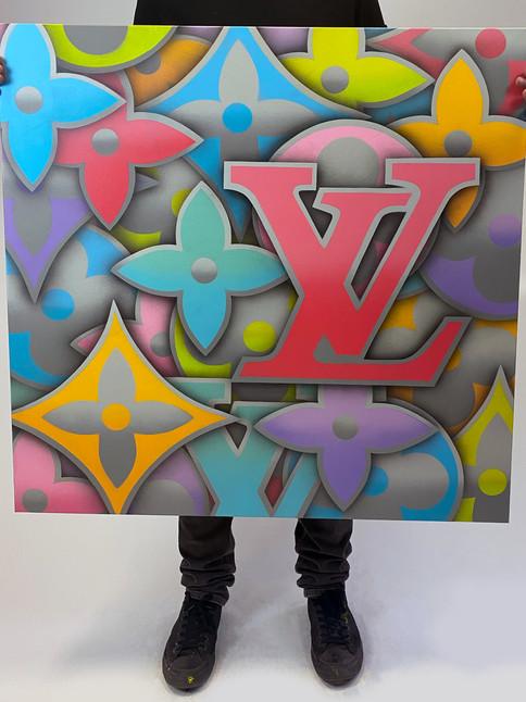 "40 ""x 40"" LOUIS VUITTON GREY RENK"