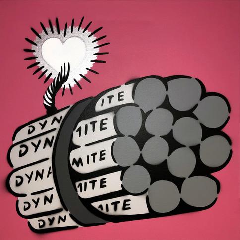 50 x 50 cm Dynamit Liebesbombe Grau / Chrom / Pink