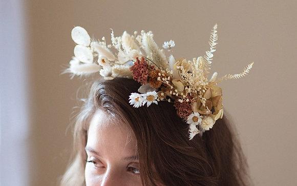 Corona de flores secas