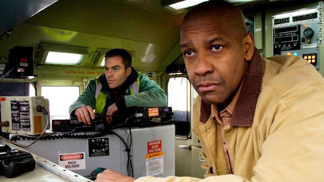 Chris Pine and Denzel Washington in Unstoppable (2010)