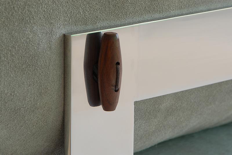 Moebius Chaise Detail