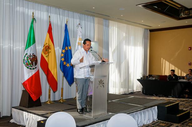 Carlos Joaquin Reunión Cámara Española de Comercio Bahia Principe