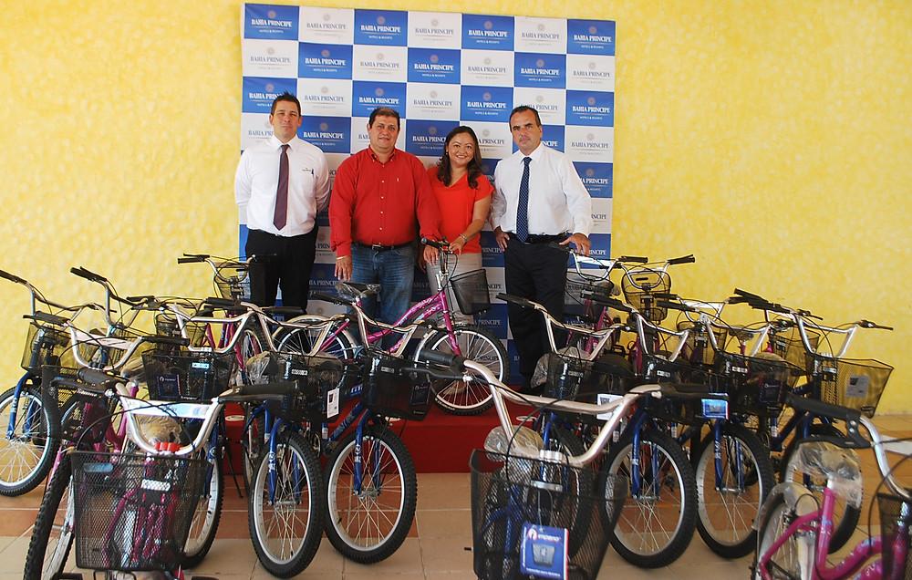 Alberto Selas, Mario Cruz, Lourdes Cruz y Ignacio Subias,