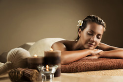 Fotolia femme massage 72 dpi