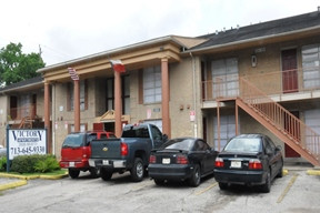 Apartment Building for sale at 2606 Beatty Street Houston, TX 77023 · 78 Units · Multifamily For Sal