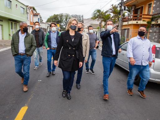 Entrega de duas ruas em Pelotas