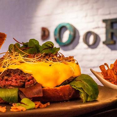 DOOR-NO-8-STEAKHOUSE-Burger.jpg