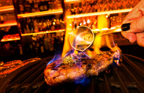 DOOR-NO-8-STEAKHOUSE-Steak-Inferno-Flamb