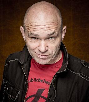 Heunz Gröning, Moderator der Show