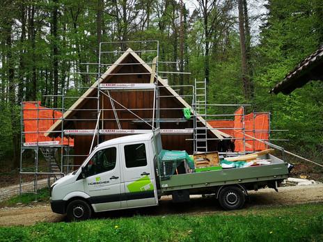 Bärenhütte im Bau 2.jpg