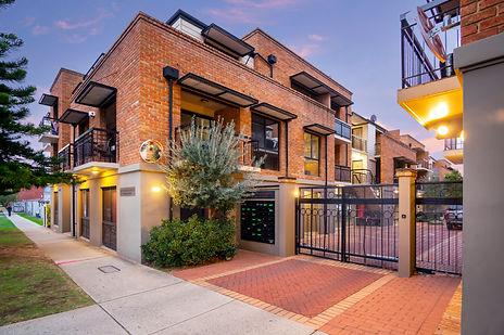 39/120-122 Lake Street, Perth