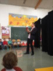 Spectacle de magie pour enfants-spectacle de thomas rembault magicien