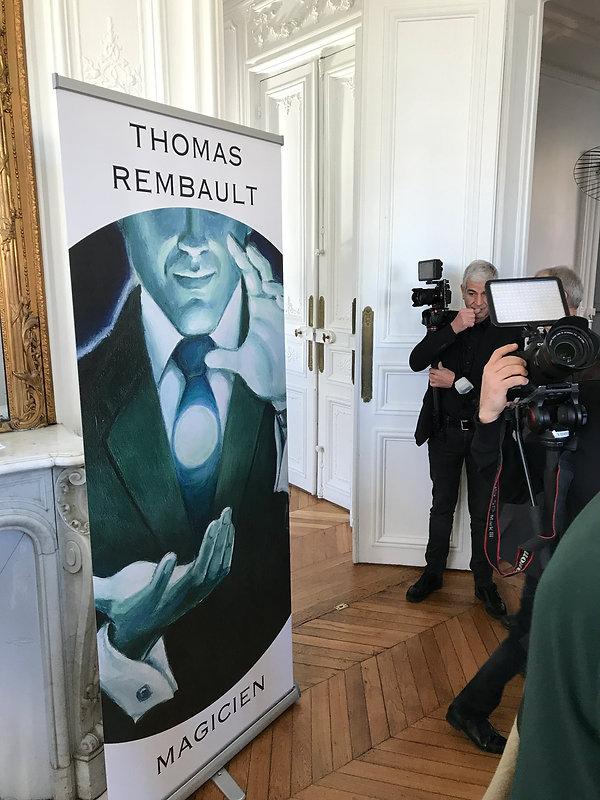 Magicien à paris Thomas Rembault pour fête religieuse
