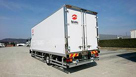 中型冷凍車2.jpg