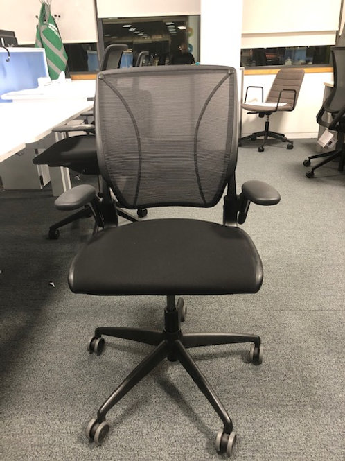 Humanscale mesh back chairs diffrient world chairs 8 available