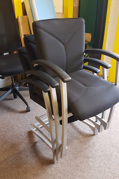 Lovely Kinnarps stacking visitor/meeting room chairs