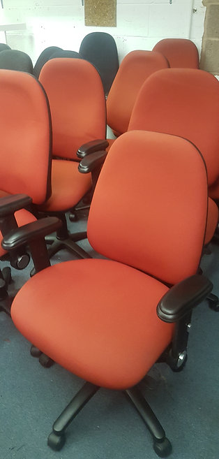 Fully ergonomic and adjustable chairs