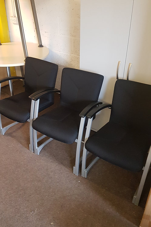 Set of 3 Kinnarps reception chairs  /Black meeting room chairs
