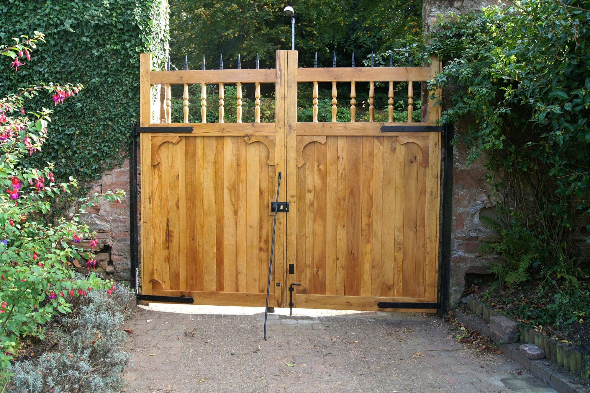 Castle -Style Gates
