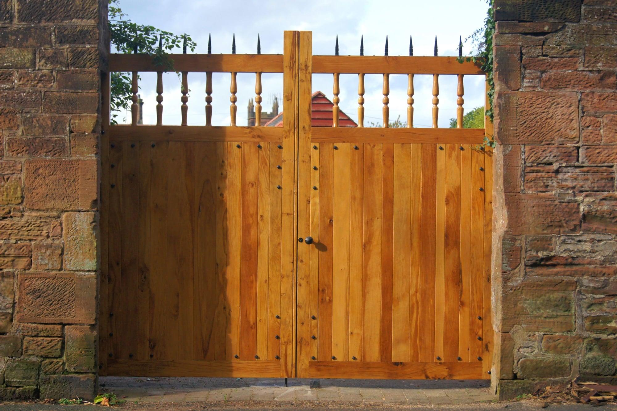 Castle-Style Gates
