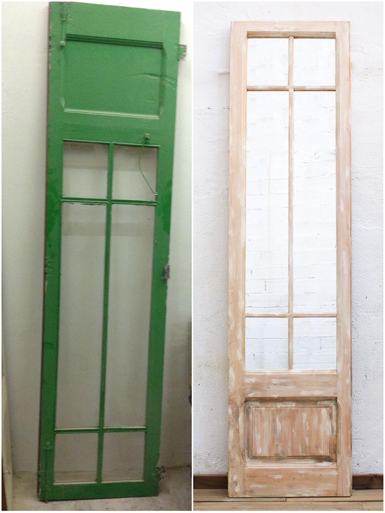 Puerta antigua renovada con espejo