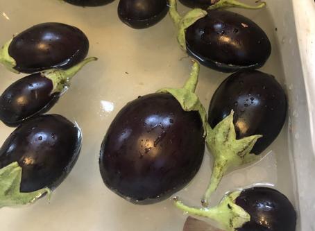 It's eggplant money ritual time with Yeyefini
