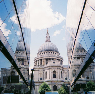 St Paul's Cathedral by Wes