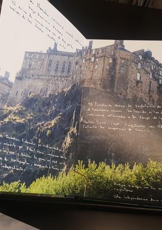Inserto tus textos manuscritos en viajes, ocasiones especiales, dedicatorias...