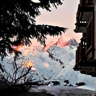 Mont Blanc Coucher soleil rose 550DPI EN