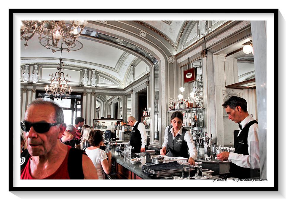 Napoli,  Caffè Gambrinus...