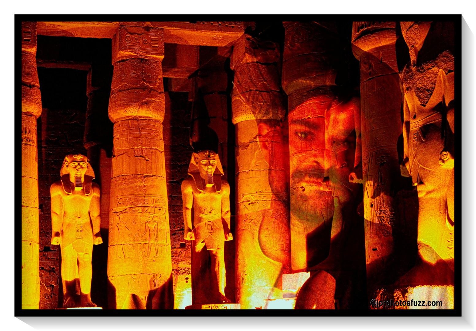 LOUXOR NIGHT- Egypte