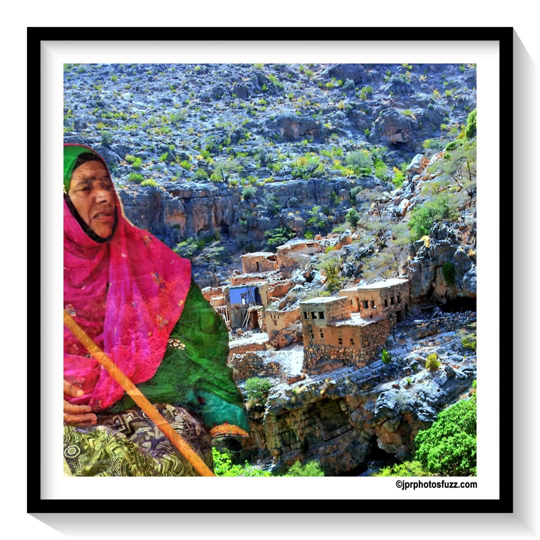 AL HAMRA Woman 2 - Oman