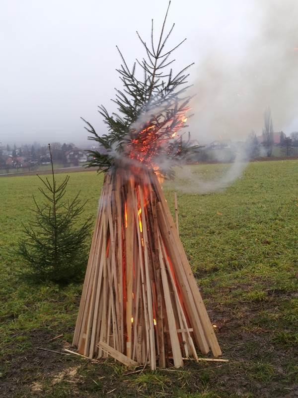 Tannenbaumverbrennen03