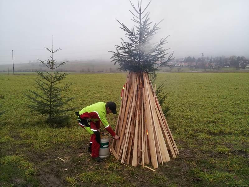 Tannenbaumverbrennen02