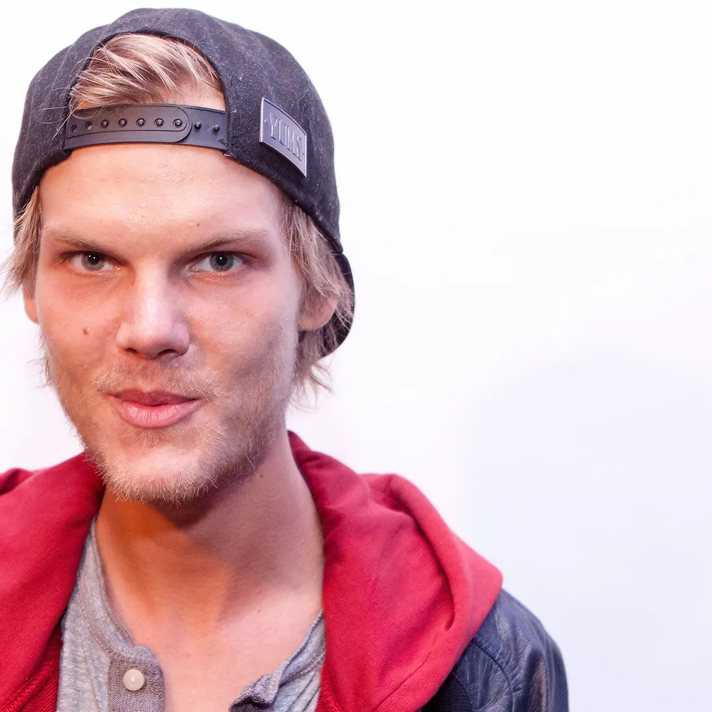 """Avicii - Waiting For Love   """"his wife gave him the last kiss before she passed away."""""""