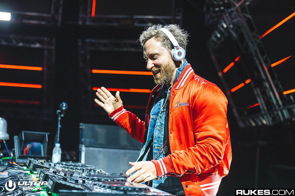 David Guetta - Titanium ft. Sia | Video of a guy with supernatural powers