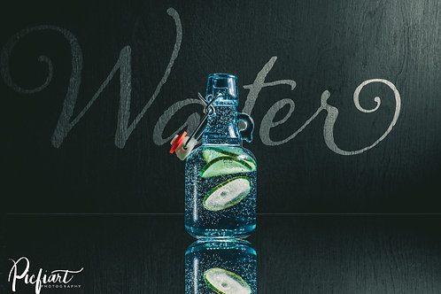 """""""Water Bottle"""" von Picfiart"""