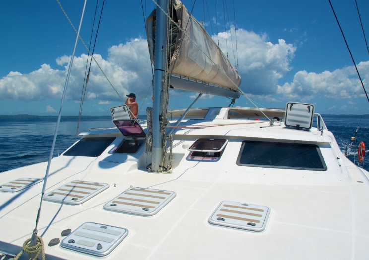 Walkabout foredeck 724 x 525.jpg