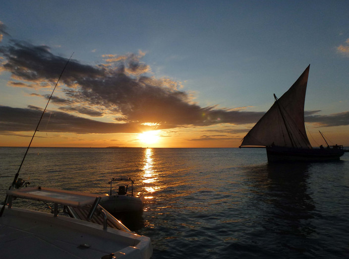 Dhow sunset.jpg