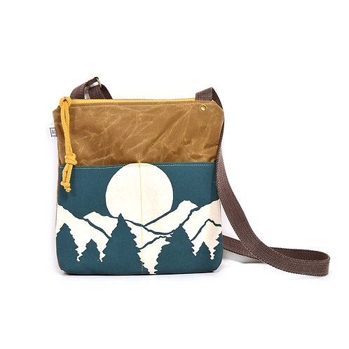 Rachel Elise Mountain Weekdayer Crossbody
