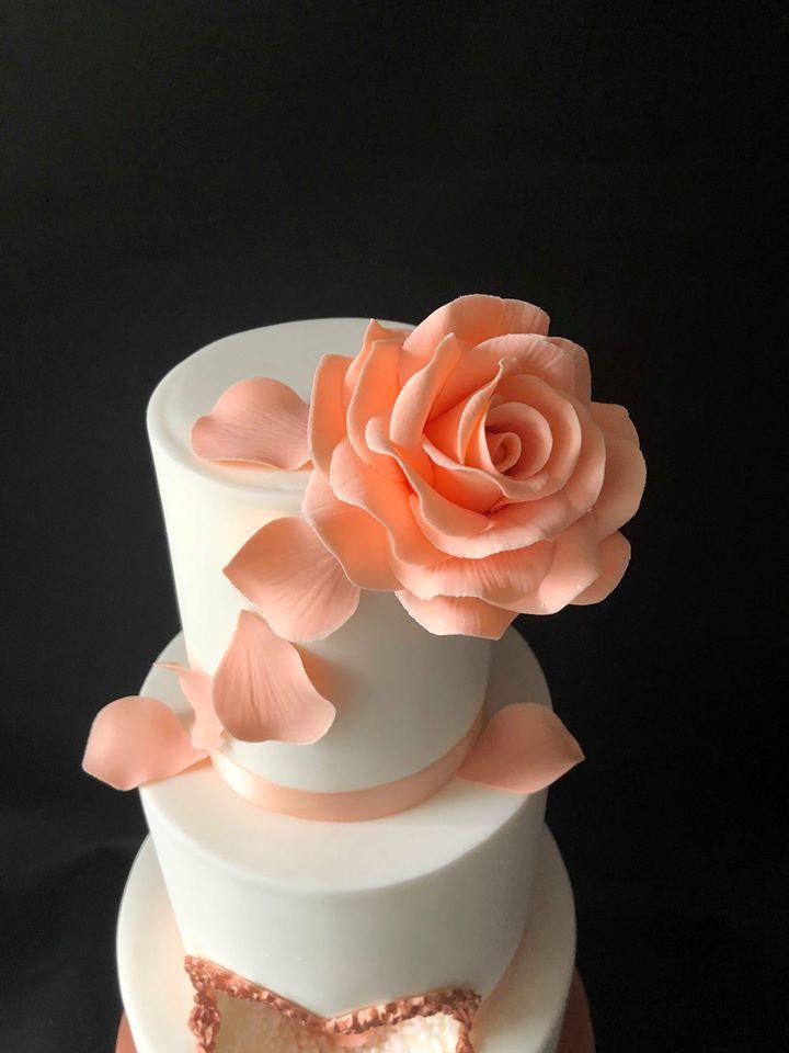 Rose Gold Heart Hole Cake