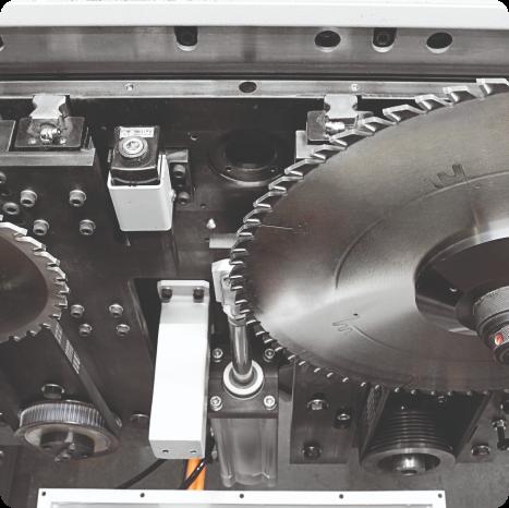 Com uma potência de serra principal de 11 e 15 kW e motor de serra dentada de 2,2 kW, garante um corte rápido, preciso e seguro. Ele funciona perfeitamente com custo mínimo com sua estrutura forte.